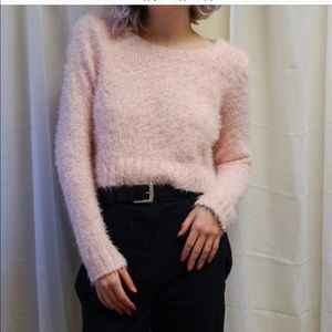 Flufffy crop top powder pink sweater